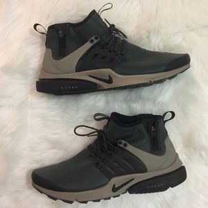 Men's Nike Air Presto Mid Utility sneakers grove
